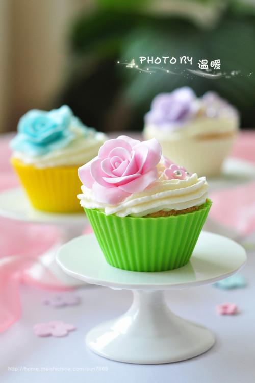 翻糖纸杯蛋糕