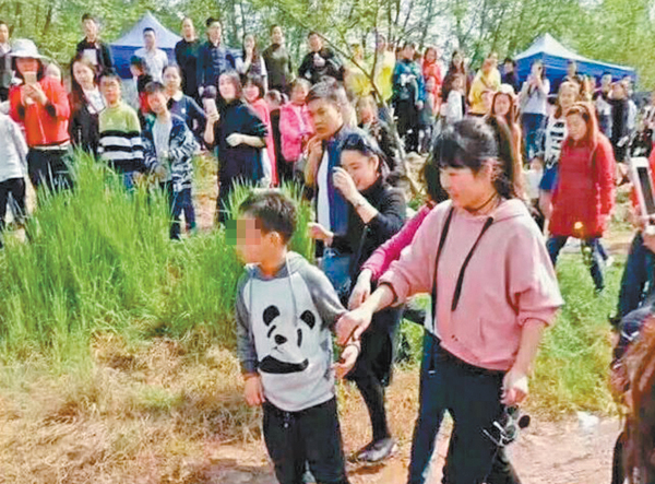8岁儿童罗江落水 数位好心市民施救后悄然离开