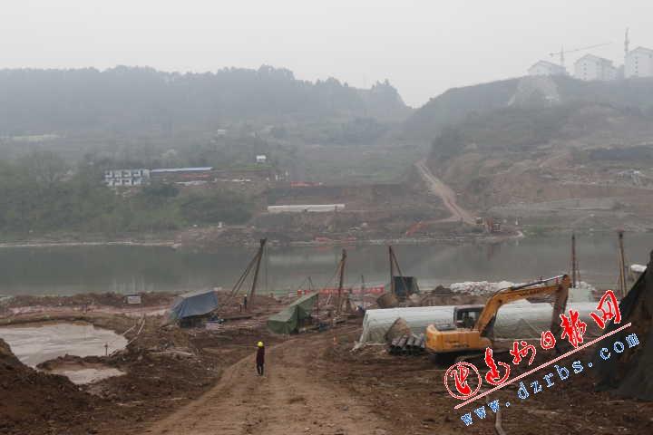 """走进野茅溪、罗江、徐家坝、中坝""""四桥""""建设现场"""