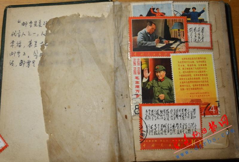 收集邮票六十载 几乎集齐全部新中国邮票